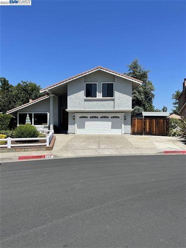 Photo of 2418 Skylark Way, PLEASANTON, CA 94566 (MLS # 40959663)
