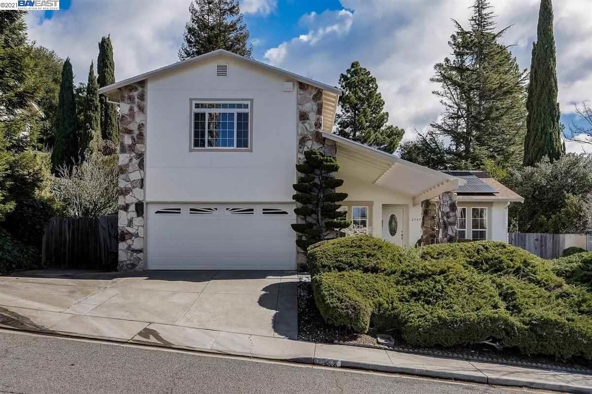 Photo for 2547 Carmelita Way, PINOLE, CA 94564 (MLS # 40938665)