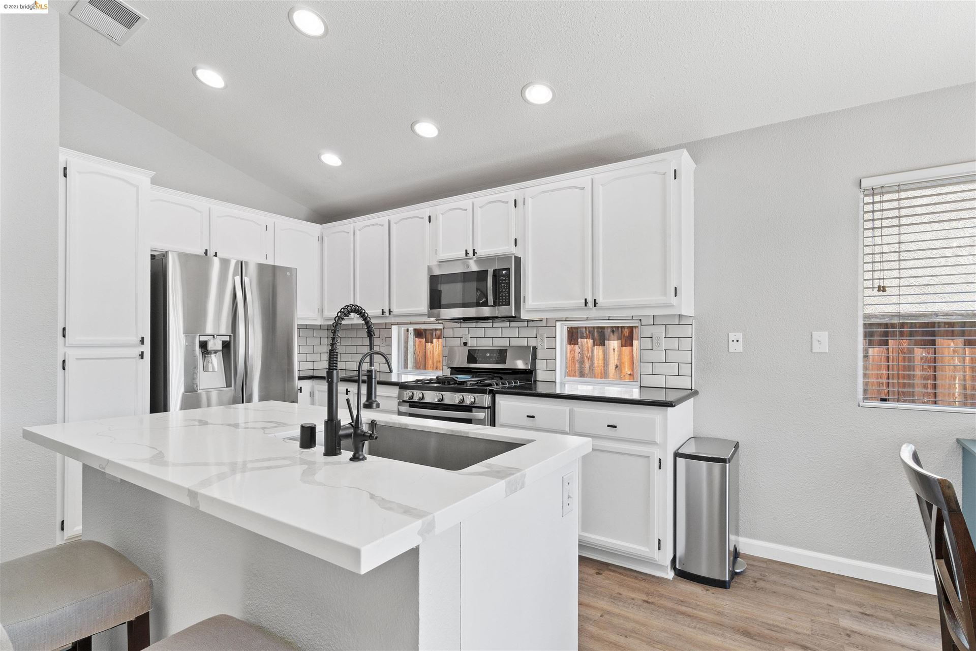 Photo of 592 Apple Hill Dr, Brentwood, CA 94513 (MLS # 40970665)