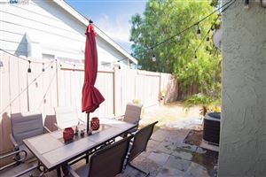 Tiny photo for 425 BAY CREST DR, PITTSBURG, CA 94565 (MLS # 40885668)
