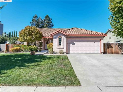 Photo of 957 Hollice Lane, LIVERMORE, CA 94550 (MLS # 40922668)
