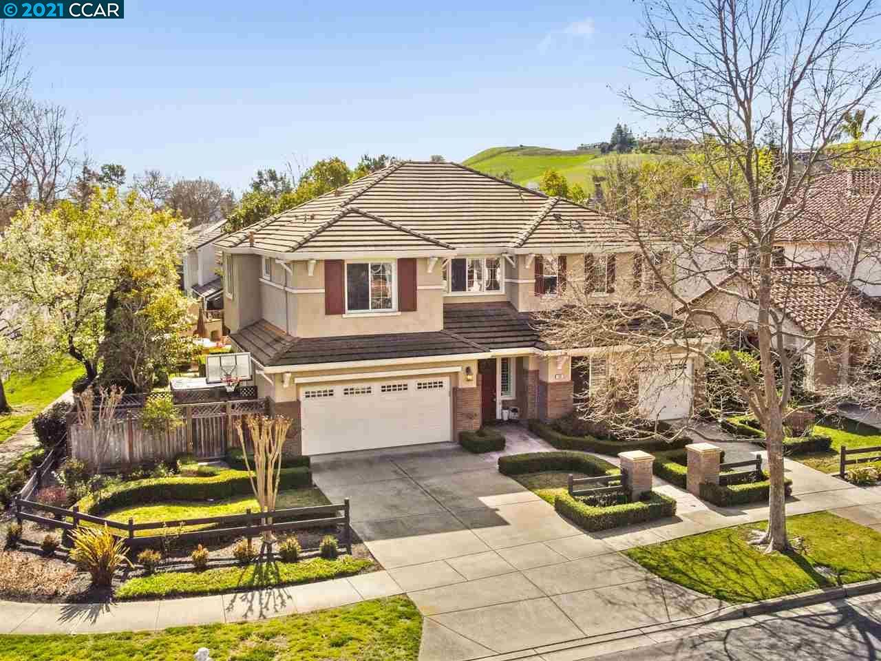 Photo for 143 Provence Rd, DANVILLE, CA 94506 (MLS # 40938668)