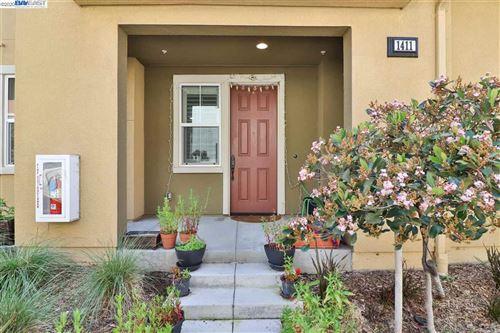 Photo of 1411 Nestwood Way, MILPITAS, CA 95035 (MLS # 40929669)