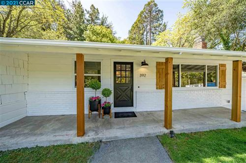 Photo of 392 Moraga Way, ORINDA, CA 94563 (MLS # 40945672)