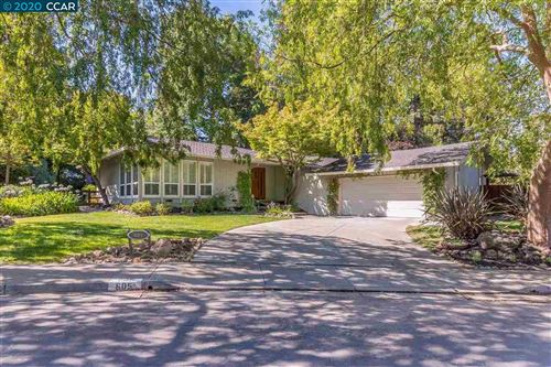 Photo of 605 Park Hill Rd, DANVILLE, CA 94526 (MLS # 40915673)