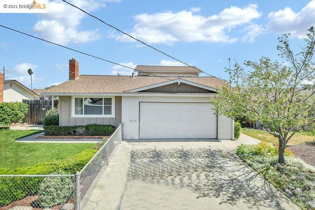 Photo of 3562 Skylark Dr, CONCORD, CA 94520 (MLS # 40946673)