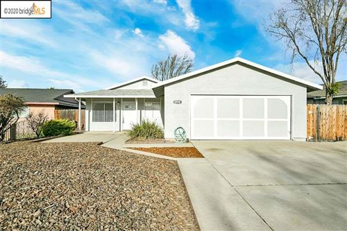 Photo of 1710 Edgewood Dr, OAKLEY, CA 94561 (MLS # 40892674)