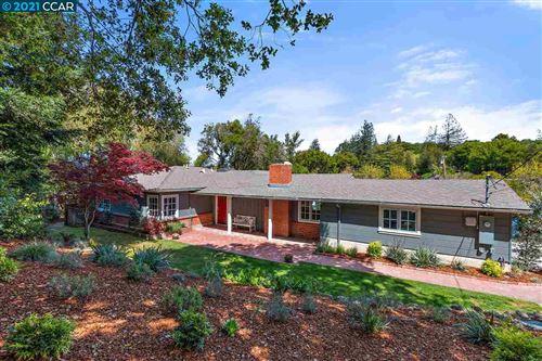 Photo of 62 Meadow View Rd, ORINDA, CA 94563 (MLS # 40944675)