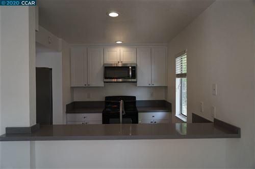 Photo of 76 Mozden Ln, PLEASANT HILL, CA 94523 (MLS # 40921676)