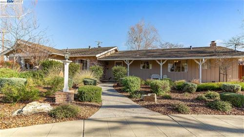 Photo of 2155 Chateau Pl, LIVERMORE, CA 94550 (MLS # 40933676)