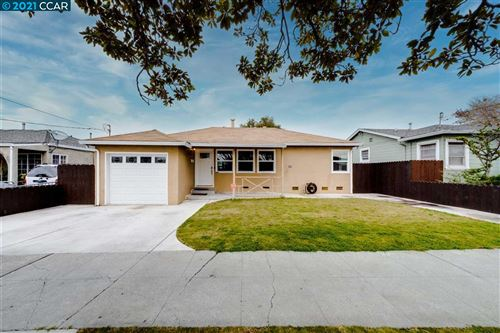 Photo of 2421 Lincoln Ave, RICHMOND, CA 94804 (MLS # 40934676)