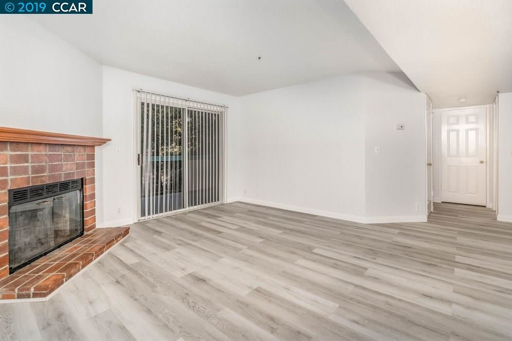 Photo for 1420 Bel Air Dr #105, CONCORD, CA 94521 (MLS # 40885676)