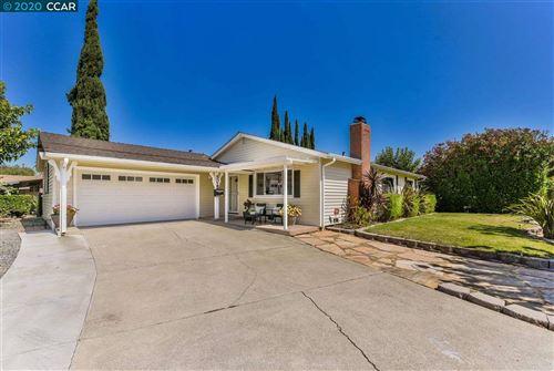 Photo of 5025 Laverne Way, CONCORD, CA 94521 (MLS # 40915677)