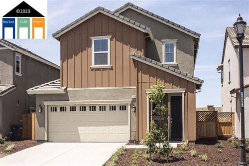 Photo of 445 Avanti Way, OAKLEY, CA 94561 (MLS # 40921677)