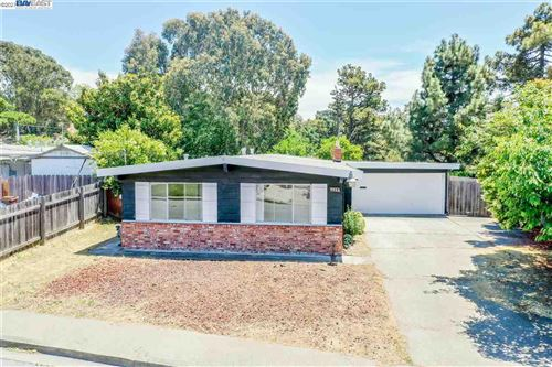 Photo of 2050 Espanola Dr, SAN PABLO, CA 94806 (MLS # 40935677)