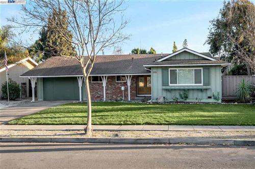 Photo of 35429 Blackburn Dr, NEWARK, CA 94560 (MLS # 40935679)