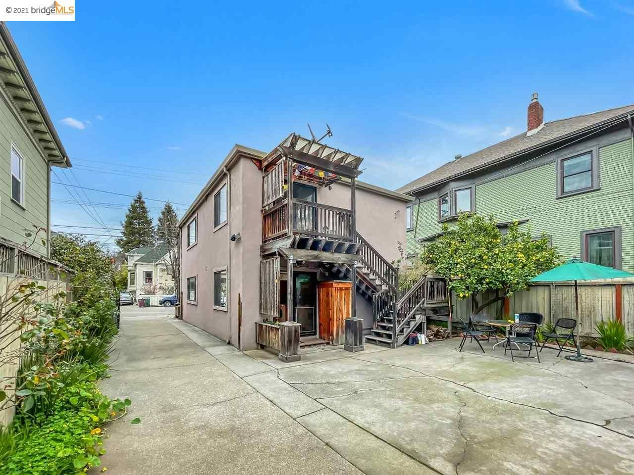 Photo of 481 36Th St, OAKLAND, CA 94609 (MLS # 40938681)