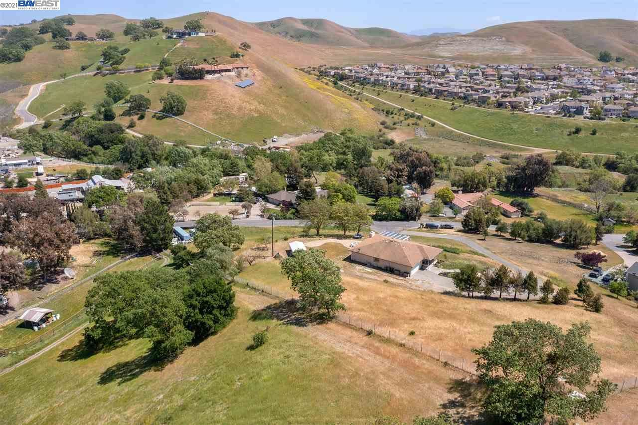 Photo of 1620 Lawrence Rd., DANVILLE, CA 94506 (MLS # 40946685)