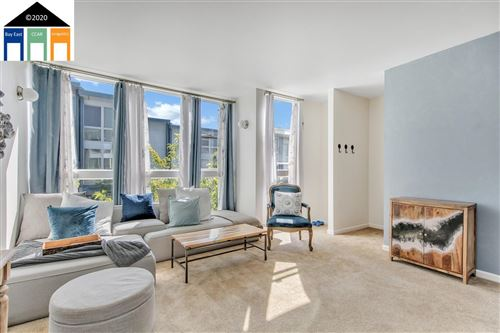 Photo of 9461 Macarthur Blvd, OAKLAND, CA 94605 (MLS # 40925686)