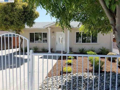 Photo of 2639 College Avenue, LIVERMORE, CA 94550-4802 (MLS # 40955688)