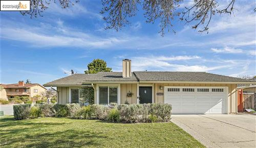 Photo of 36330 Bridgepointe Dr, NEWARK, CA 94560 (MLS # 40900689)