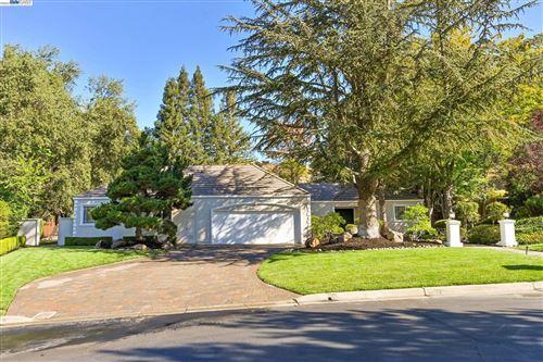 Photo of 2315 Holly Oak Dr, DANVILLE, CA 94506 (MLS # 40965689)