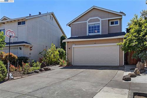 Photo of 683 Black Pine Dr, SAN LEANDRO, CA 94577 (MLS # 40915691)