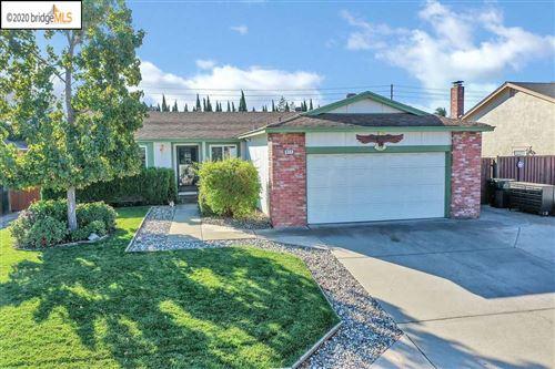 Photo of 917 Chianti Way, OAKLEY, CA 94561 (MLS # 40929692)