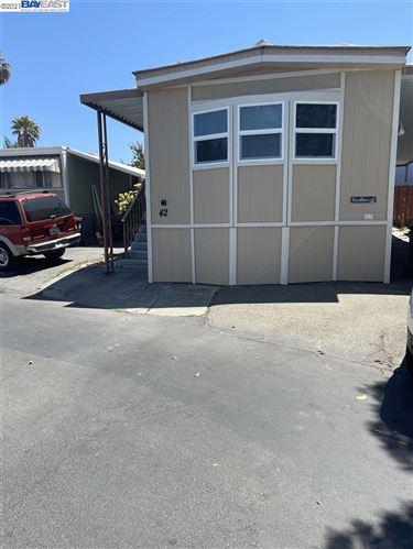 Photo of 3913 Castro Valley Blvd #42, CASTRO VALLEY, CA 94546 (MLS # 40959693)