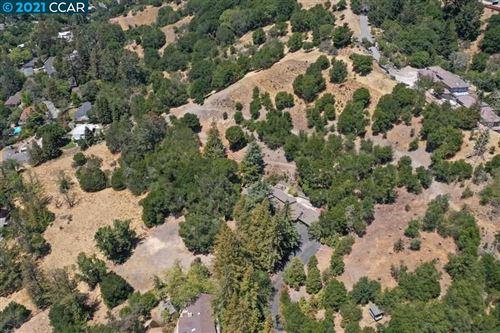 Photo of 24 Loma Linda Ct., ORINDA, CA 94563-4015 (MLS # 40959695)