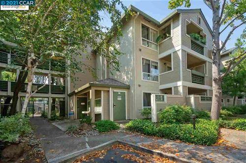 Photo of 2560 Oak Rd #120, WALNUT CREEK, CA 94597 (MLS # 40934698)