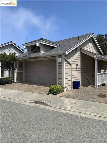 Photo of 11 Moonlight Court, SOUTH SAN FRANCISCO, CA 94080 (MLS # 40912701)