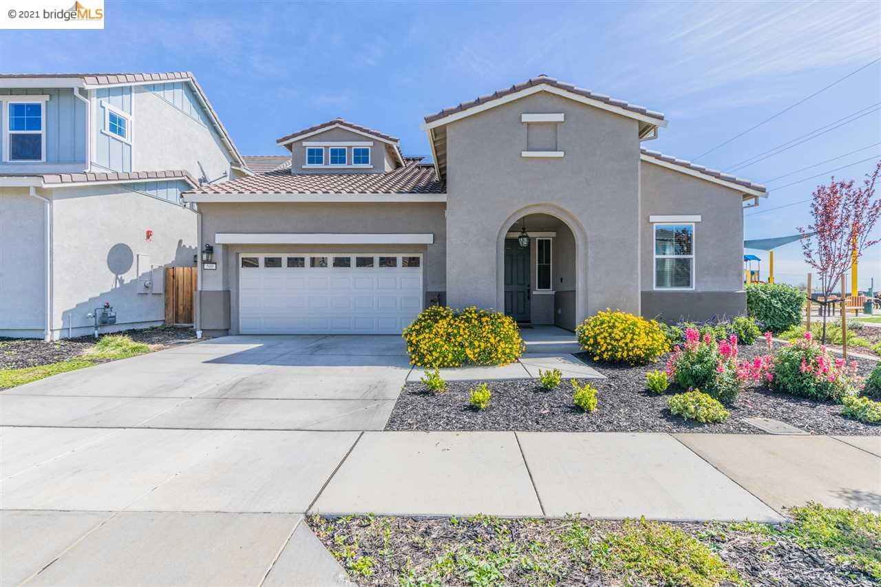 Photo of 500 Tintori Ct, BRENTWOOD, CA 94513 (MLS # 40948701)