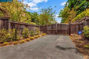 Photo of 2 Oak Ln, ORINDA, CA 94563 (MLS # 40828702)