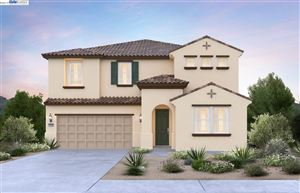 Photo of 326 Bear Creek Dr, BRENTWOOD, CA 94513 (MLS # 40853702)