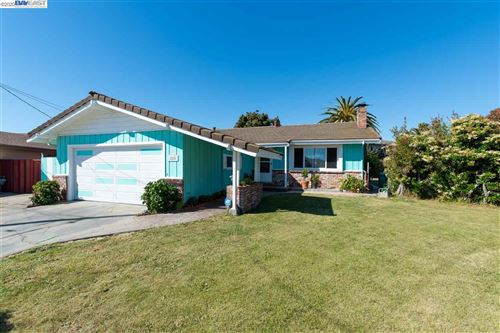 Photo of 825 Marvin Way, HAYWARD, CA 94541 (MLS # 40906703)