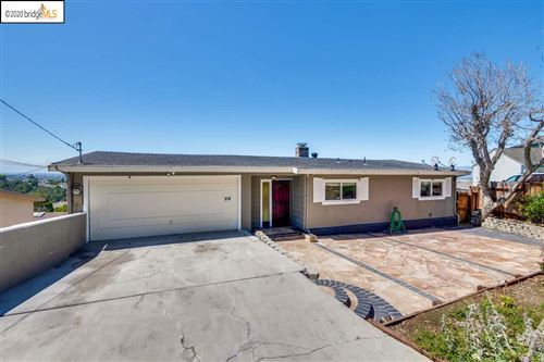 Photo of 8011 Sunkist Dr, OAKLAND, CA 94605 (MLS # 40915703)