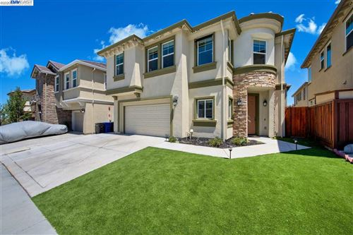 Photo of 2648 Clarita Dr, PITTSBURG, CA 94565 (MLS # 40915705)