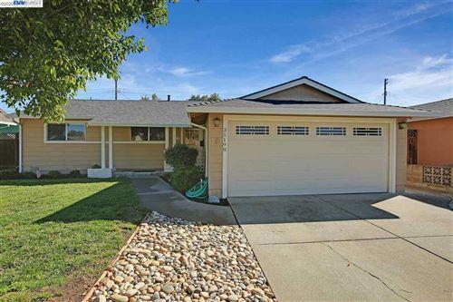 Photo of 35198 Lancero, FREMONT, CA 94536 (MLS # 40921705)
