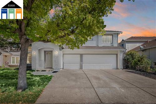 Photo of 845 Larkspur Dr, TRACY, CA 95376 (MLS # 40900707)