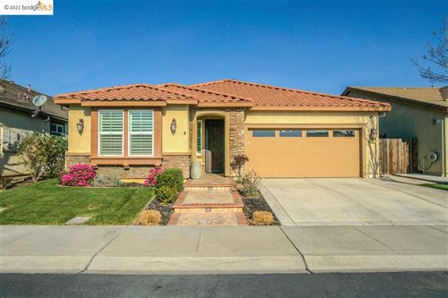 Photo of 27 Outrigger Way, DISCOVERY BAY, CA 94505 (MLS # 40939707)