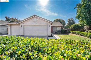 Photo of 665 Valley Green Dr, BRENTWOOD, CA 94513 (MLS # 40888709)