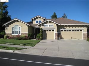 Photo of 164 E Country Club Dr., BRENTWOOD, CA 94513 (MLS # 40884711)