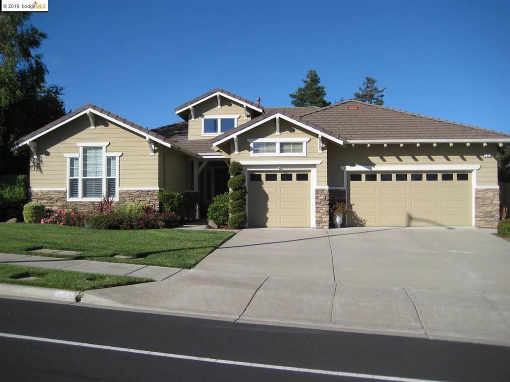 Photo for 164 E Country Club Dr., BRENTWOOD, CA 94513 (MLS # 40884711)