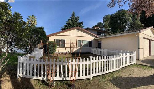 Photo of 2221 Manzanita Way, ANTIOCH, CA 94509 (MLS # 40941712)