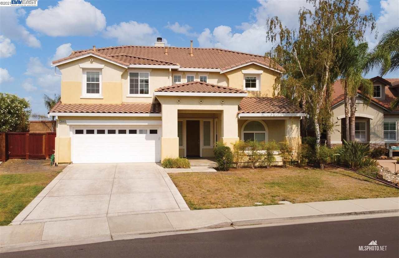 Photo of 2444 Berkshire Ln, BRENTWOOD, CA 94513 (MLS # 40960712)
