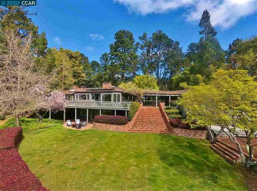Photo of 12301 Skyline Blvd, OAKLAND, CA 94619 (MLS # 40900717)