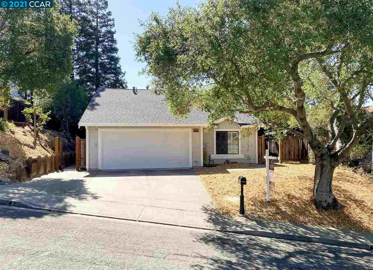 Photo of 565 Palo Alto Place, PLEASANT HILL, CA 94523 (MLS # 40948719)