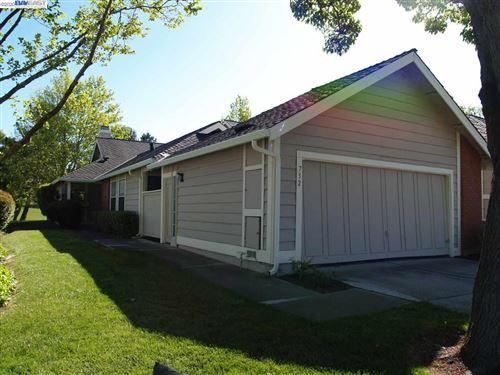 Photo of 732 Glen Eagle Ct, DANVILLE, CA 94526 (MLS # 40900721)