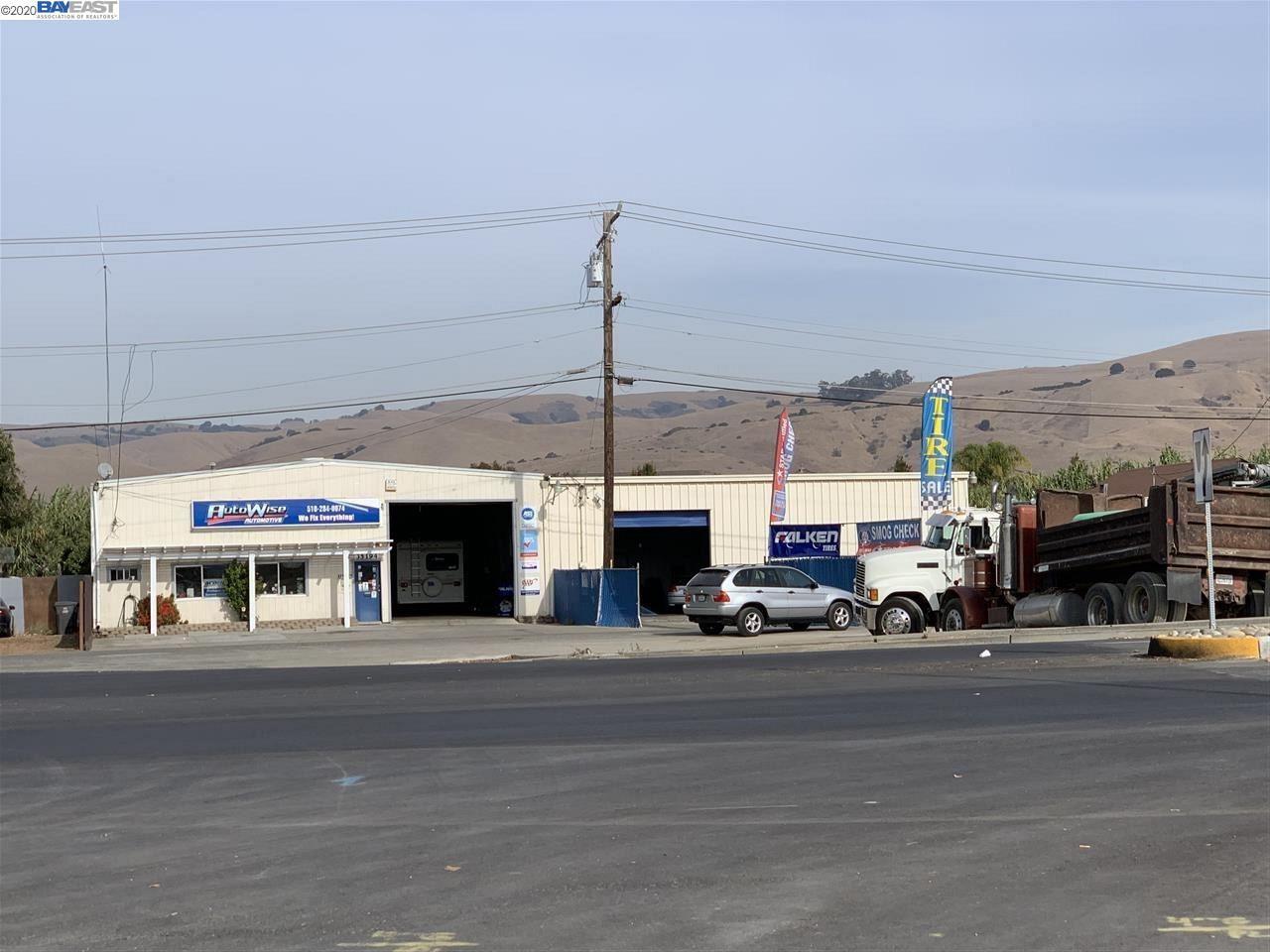 Photo for 35194 Alvarado Niles Rd, UNION CITY, CA 94587 (MLS # 40896721)